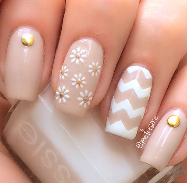 Daisy chevron neutral nails prinsesfo Image collections