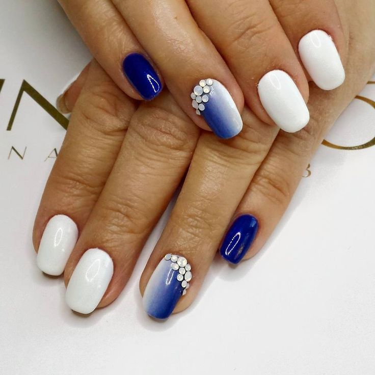 White to blue ombre nails