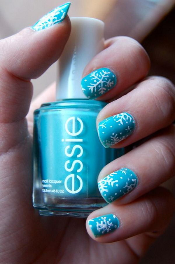 Winter snowflake nail art in blue theme for christmas prinsesfo Image collections