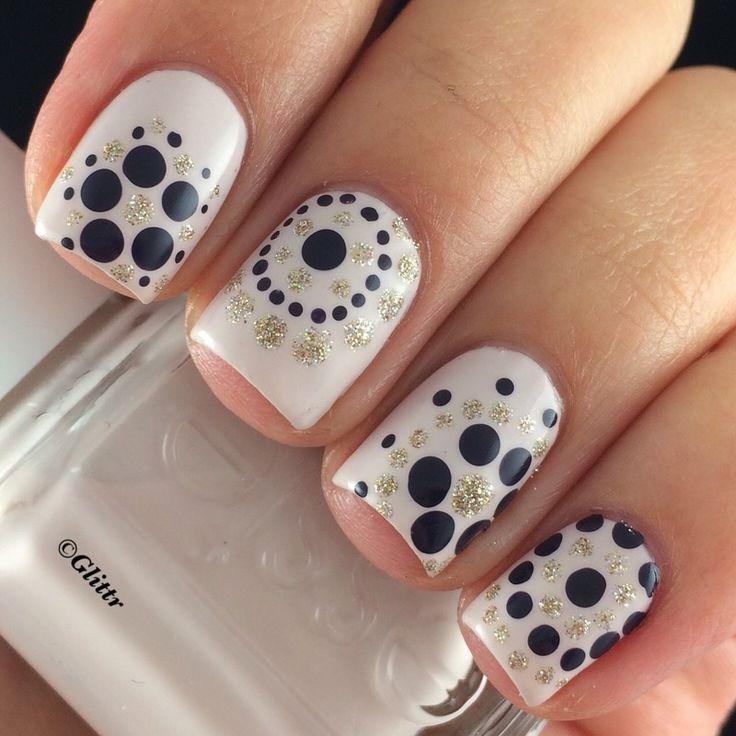 Stylish black and glitter polka dots fall nails