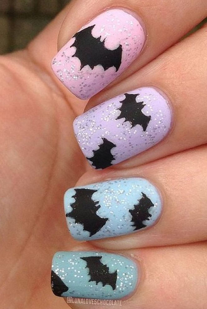 Halloween bats on glitter nails