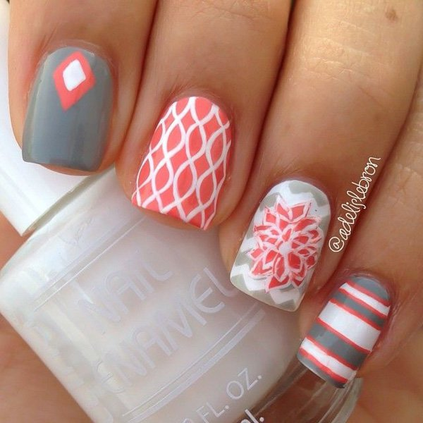 Beautiful gray and pink themed nails